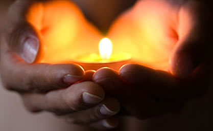 candle-in-hands